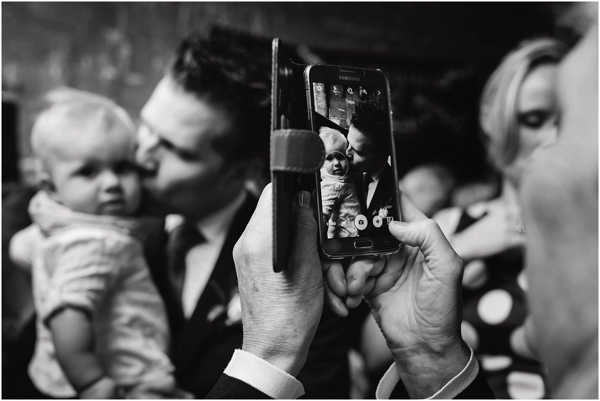 Bruidsfotograaf Maastricht, bruidsreportage Maastricht, trouwen Sibberhuuske, bruidsreportage Sibberhuuske, trouwreportage Sibberhuuske, bruidsreportage Zuid-Limburg, bruidsfotografie Sibberhuuske bruidsreportage Limburg, bruidsfotograaf Limburg, bruidsfotograaf Maastricht, bruidsfotograaf Zuid-Limburg, trouwfoto Maastricht, trouwfoto Neercanne, trouwen Sibberhuuske, trouwen bij Sibberhuuske, trouwen Valkenburg
