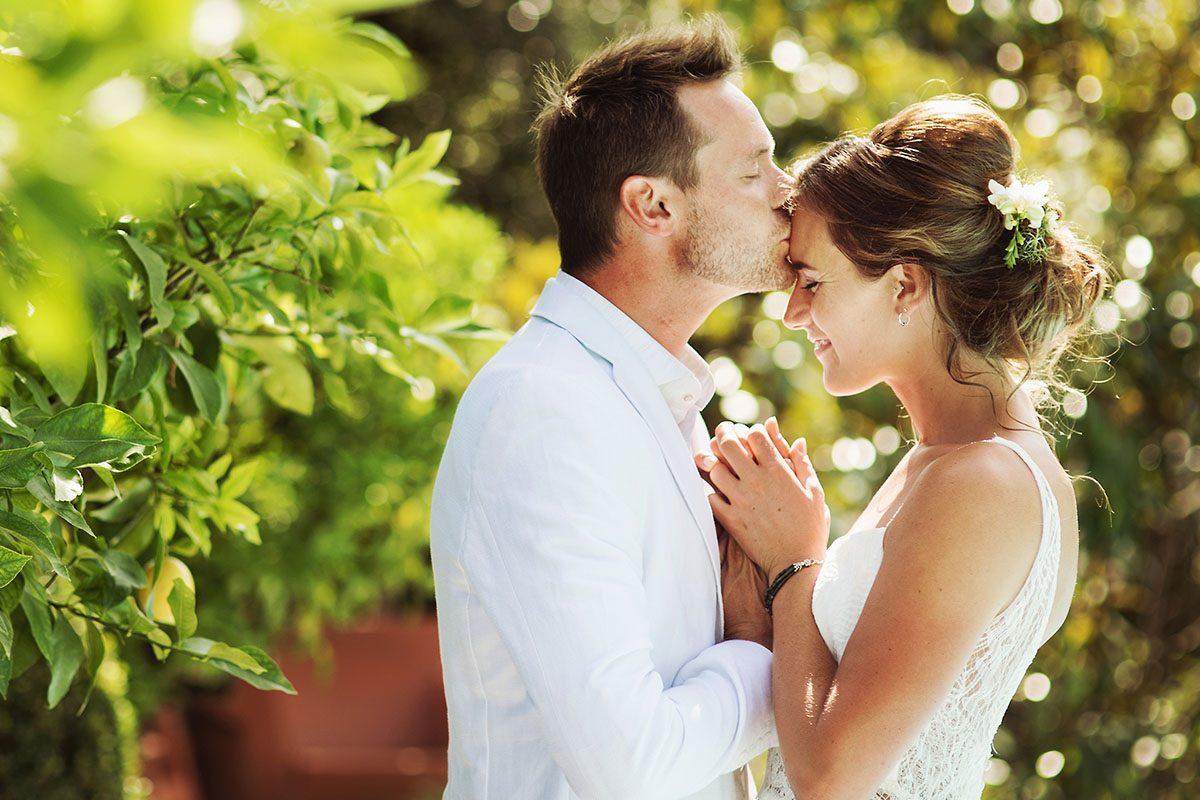 Bruidsfotograaf Thorn - Alma en Jesper trouwen bij Huis Broeckmeulen