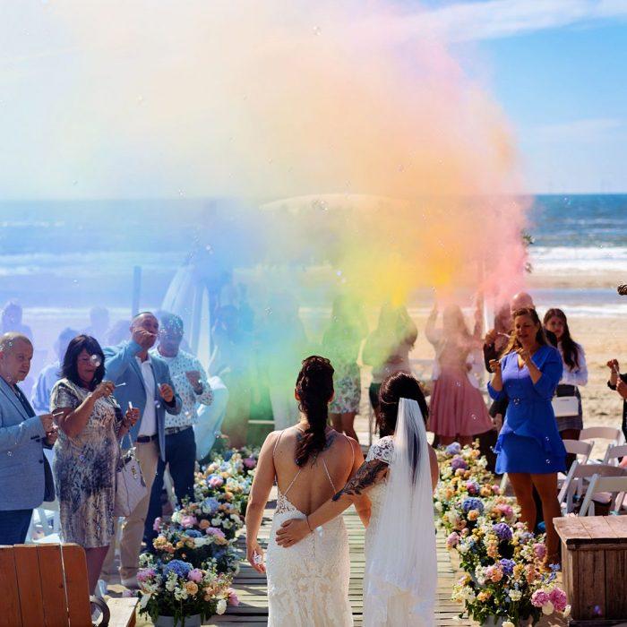 Bruidsfotograaf Noord-Holland - De strandbruiloft van L&M in Castricum Aan Zee