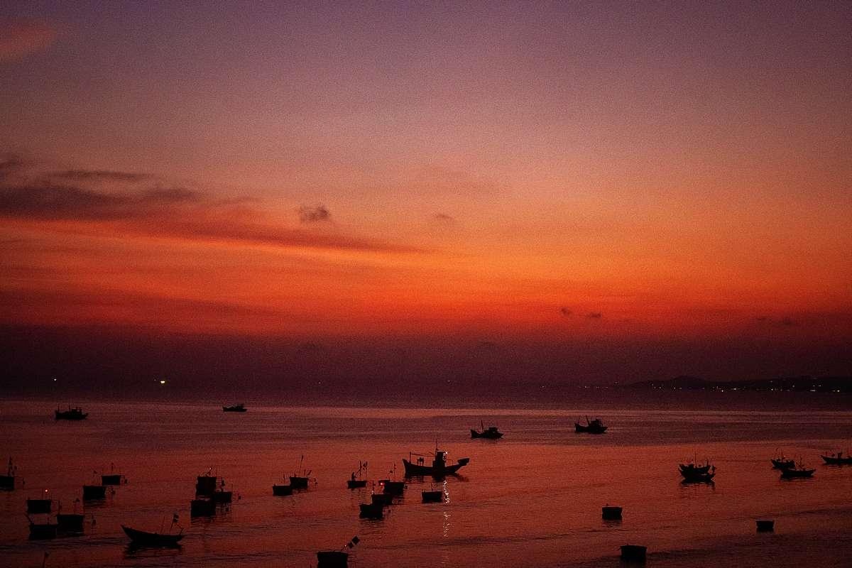 ruudc fotografie, vietnam, mui ne, phan thiet, boats, boten, zonderondergang, sunset with boats