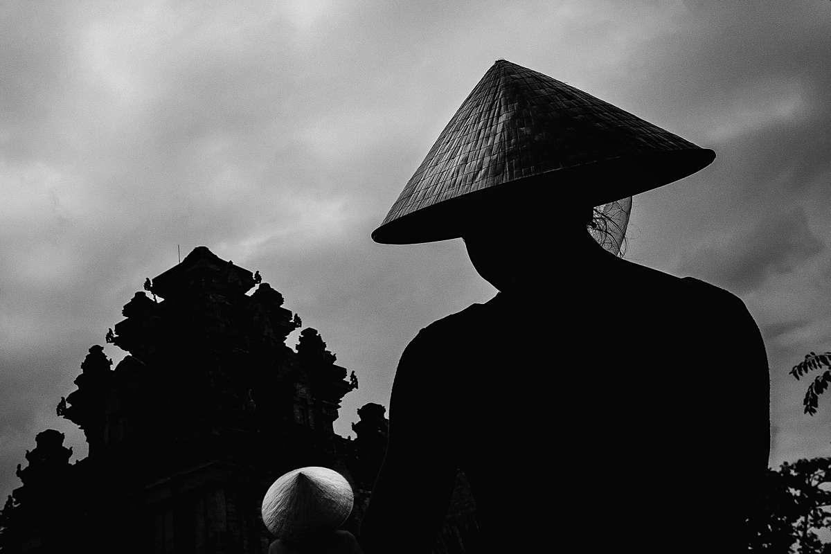 RUUDC Fotografie, vietnam, conical hat, nón lá temple, silhouette